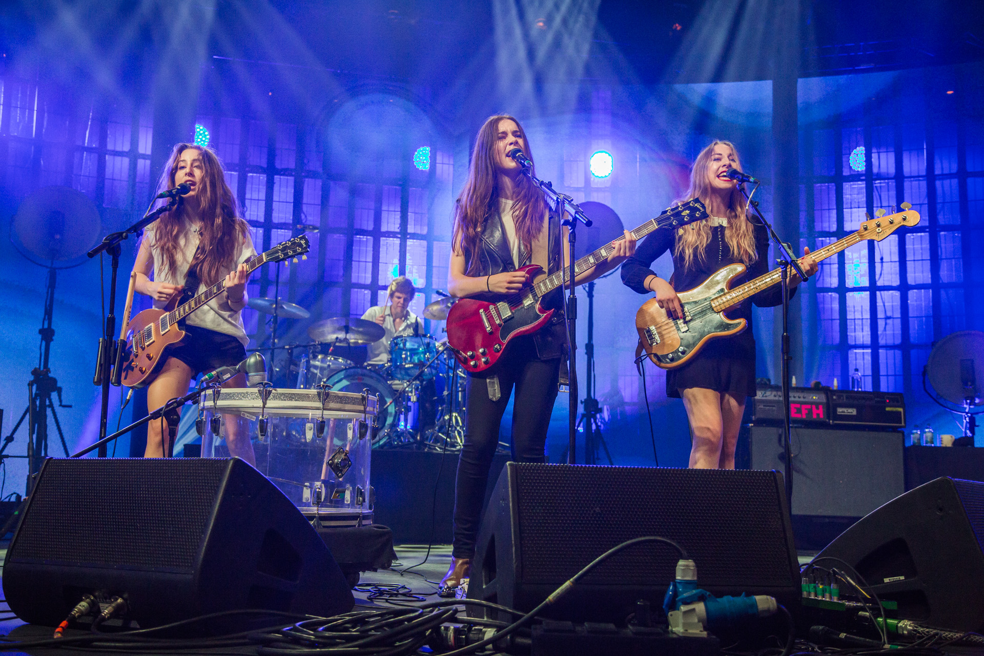 Haim live at the iTunes Festival 2013