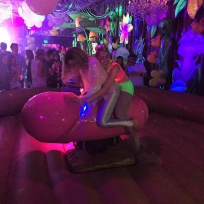 Miley Cyrus' Mechanical Dildo