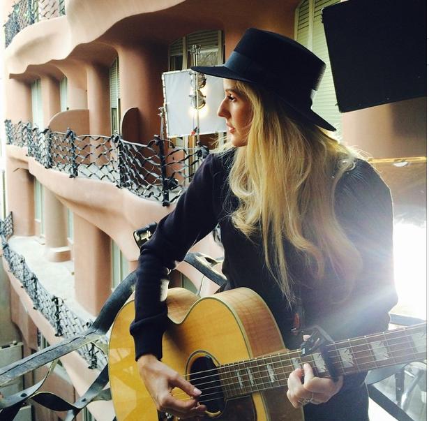 Ellie Goulding Guitar I