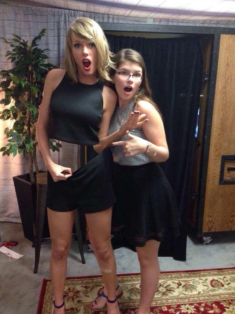 Taylor Swift Photoshop Battle