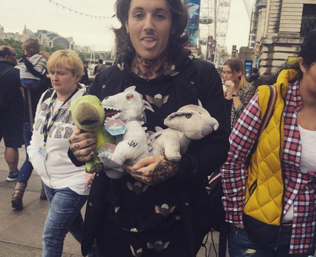 Oliver Sykes 2013 Instagram Oli Sykes is a ...