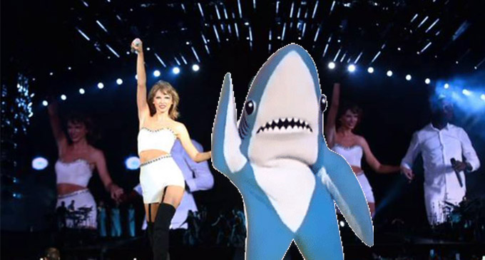 Taylor swift left shark