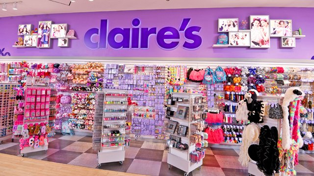 916ed2816524d 16 Things You DEFINITELY Bought From Claire's Accessories Back In ...