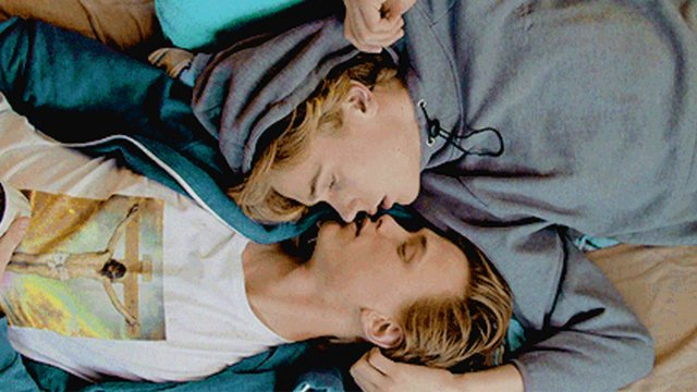 Isak And Even Kiss