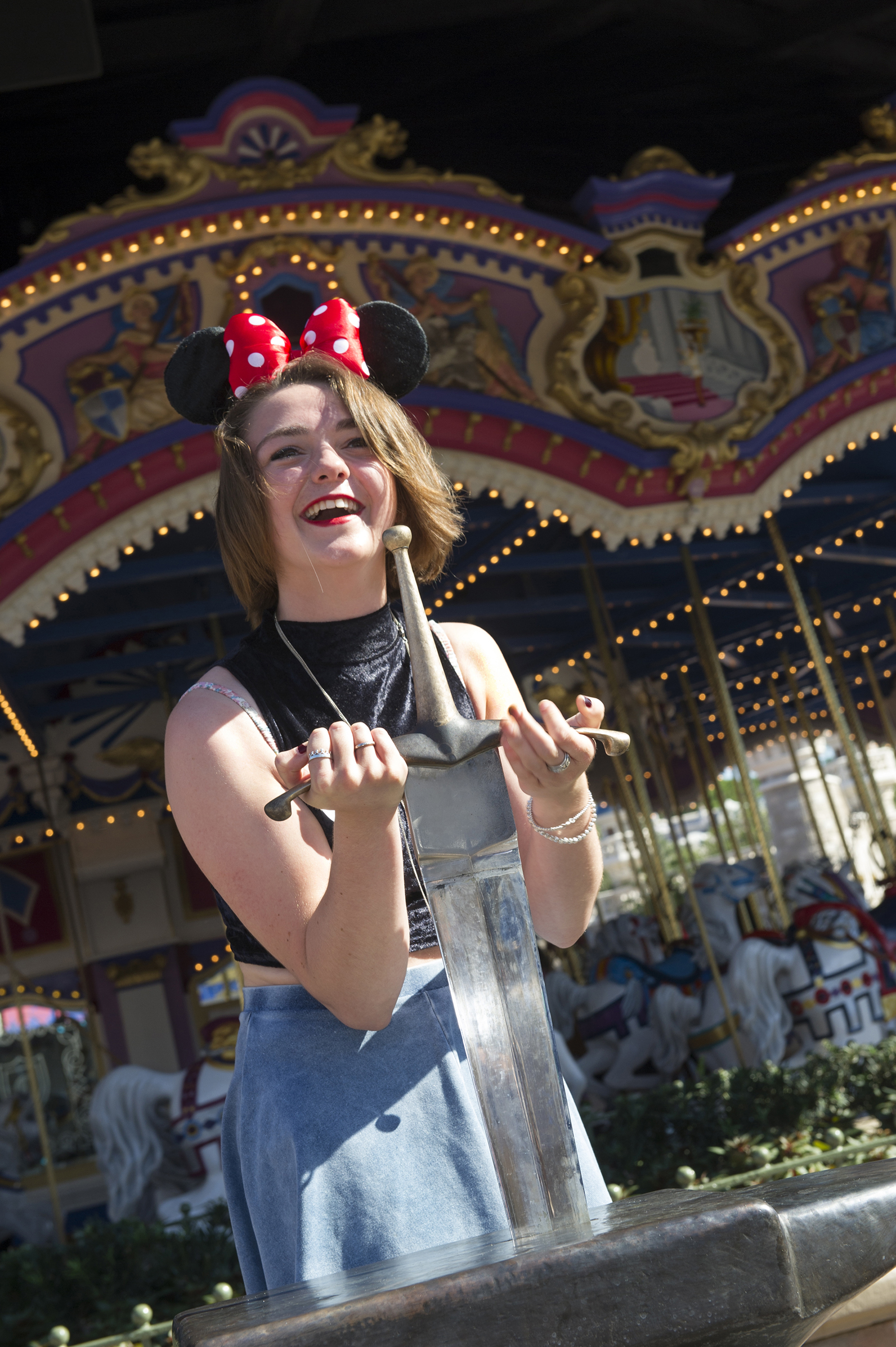 maisie williams disney world