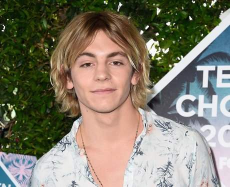 Ross Lynch Betty Brother Riverdale Chic Cooper