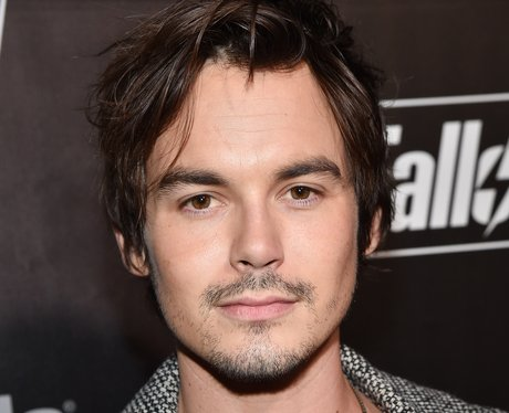 Tyler Blackburn Betty Brother Riverdale Chic Cooper