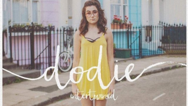 Dodie Clark Instagram Inspired Yellow V-neck Formal Evening Prom Celebrity  Dress