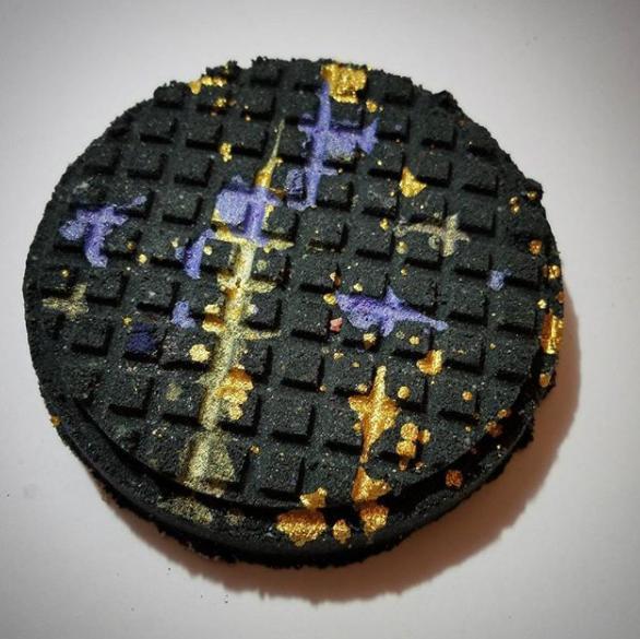 Black waffle bath bomb