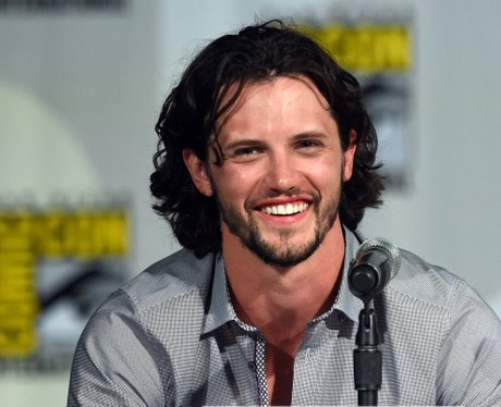 nathan parsons roswell character reboot