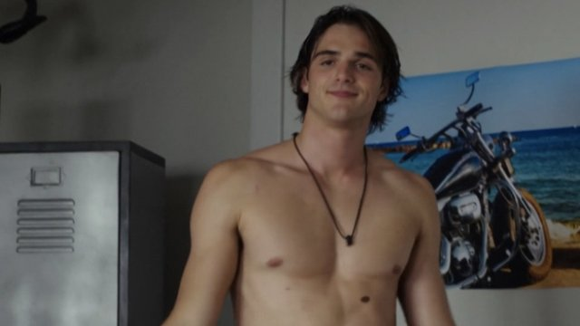 Jacob Elordi: 17 facts about the Euphoria star you probably
