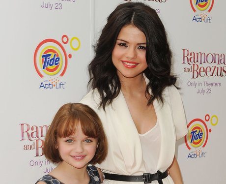 Joey King selena gomez