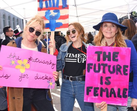 Zoey Deutch women's march