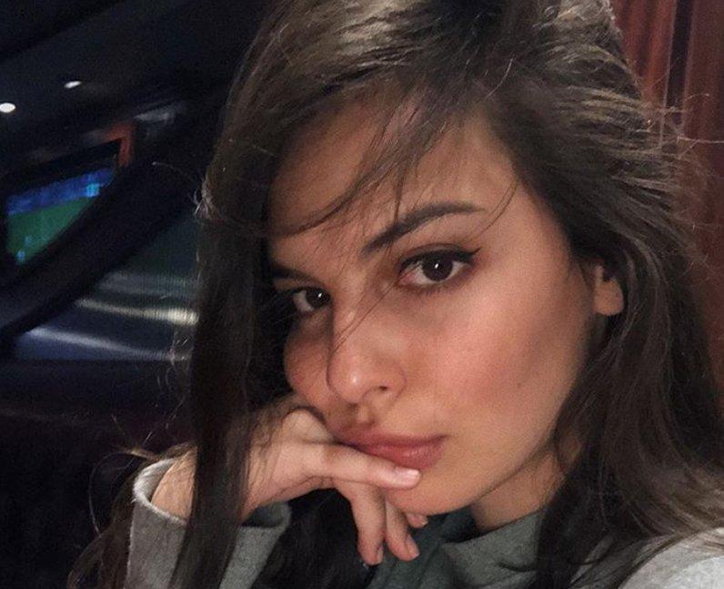 Isabella Gomez height