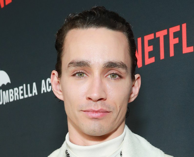 Robert Sheehan at The Umbrella Academy premiere