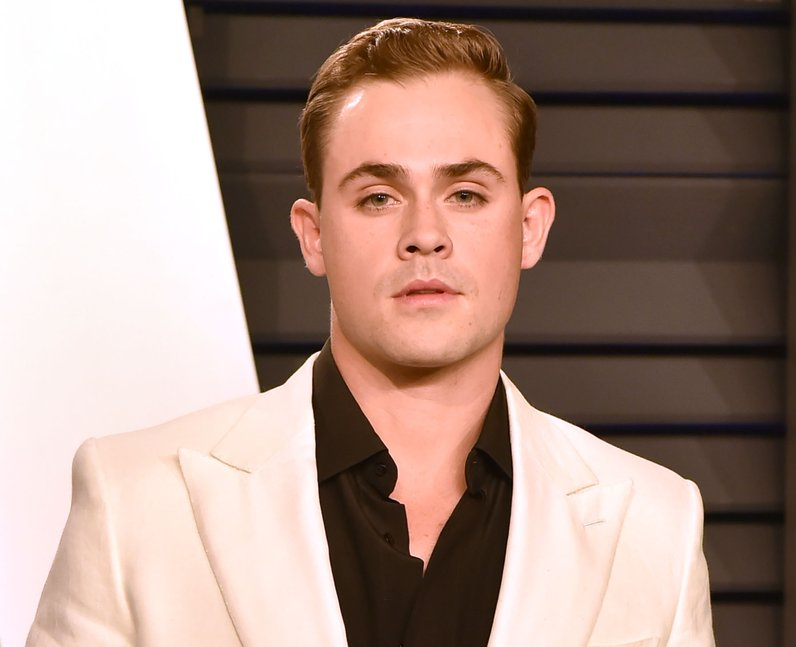 Dacre Montgomery attends the 2019 Vanity Fair Osca