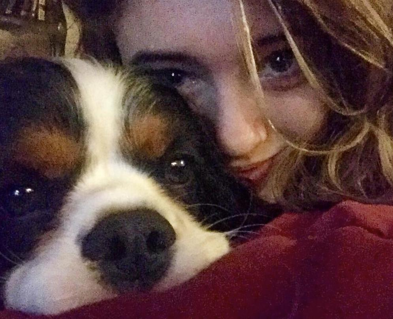 Natalia Dyer and her dog Ozzy