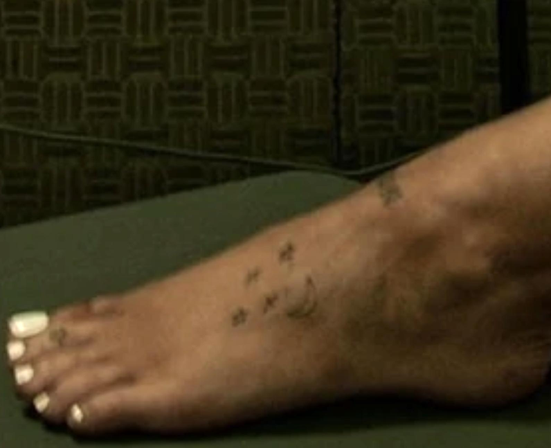 Ariana Grande's moon and stars on her left foot