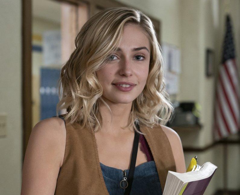Sophie Simnett as Samaira Dean in Netflix's Daybre
