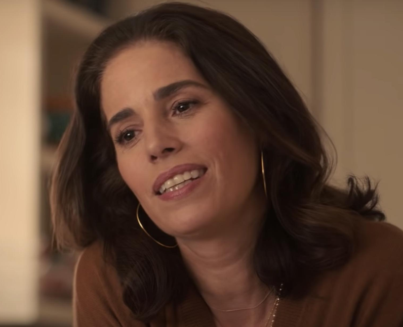 Who plays Victor's mom Isabel in Love, Victor? – A