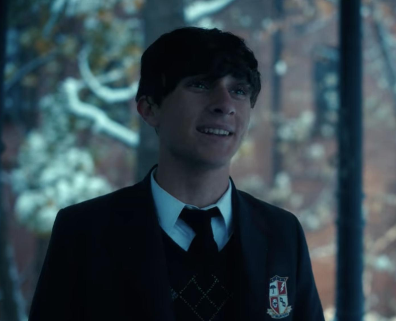 Who plays Young Klaus in The Umbrella Academy? - D