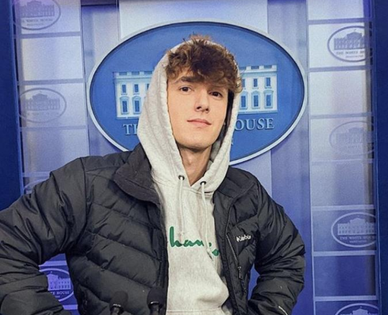Bryce Hall net Worth: How much does Bryce Hall ear