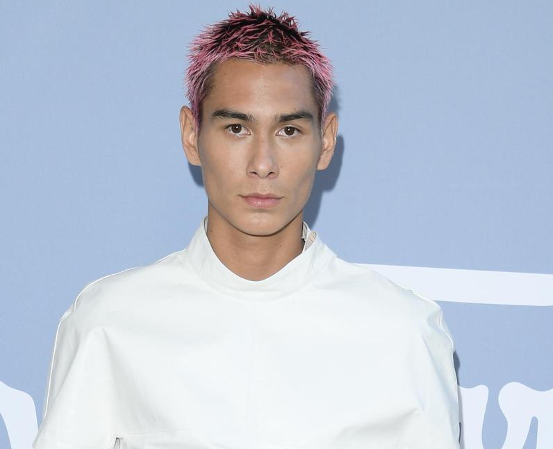 Evan Mock hair: Why did he dye it pink?