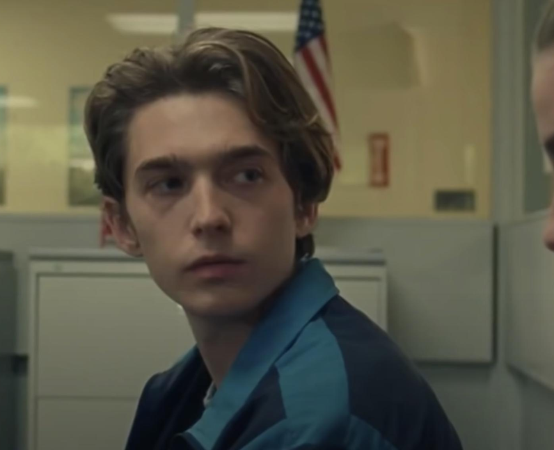 Who did Austin Abrams play in Chemical Hearts? - H