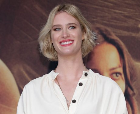 Who is Mackenzie Davis dating? is she married? who is her partner?