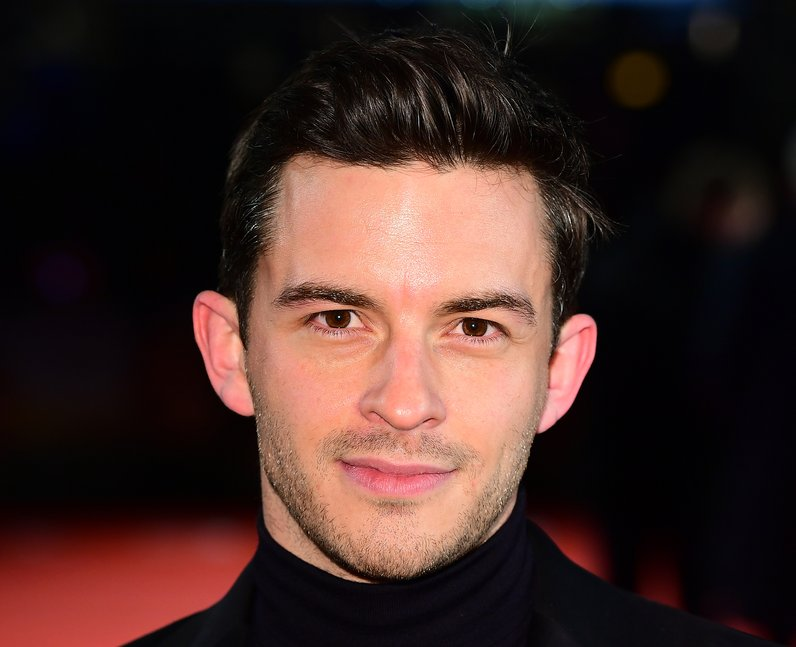 Jonathan Bailey: 9 facts about the Bridgerton star you should know - PopBuzz