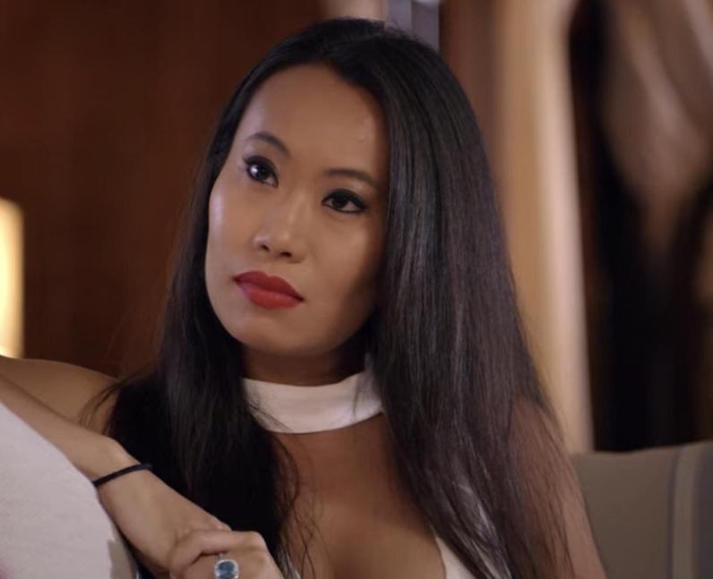 What is Kelly Mi Li's net worth?