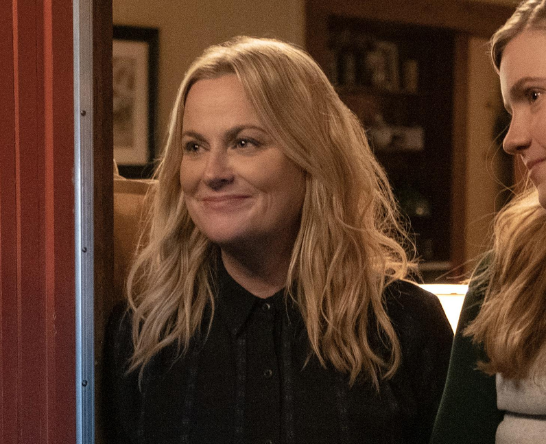 Who plays Lisa in Moxie? – Amy Poehler