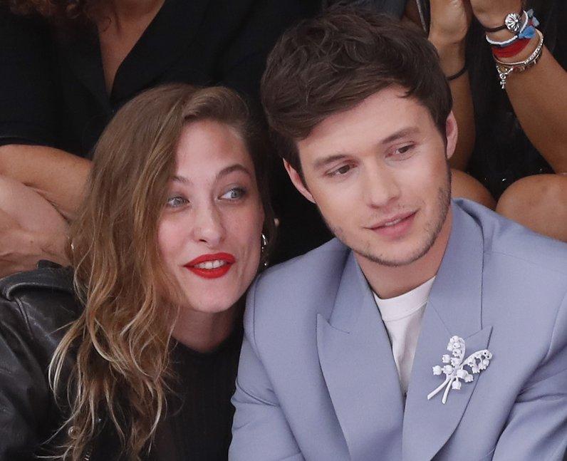 Is Nick Robinson dating Samantha Urbani?