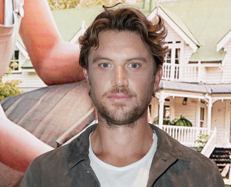 Adam Demos: 12 facts about the Sex/Life actor you