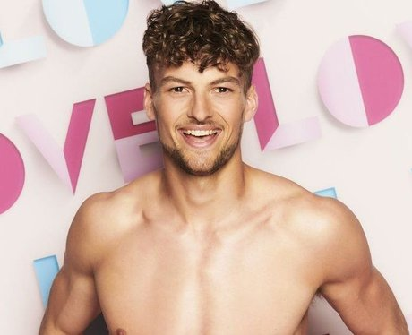 How old is Hugo Hammond from Love Island 2021?