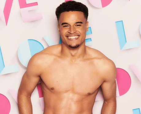 How old is Toby Aromolaran from Love Island 2021?