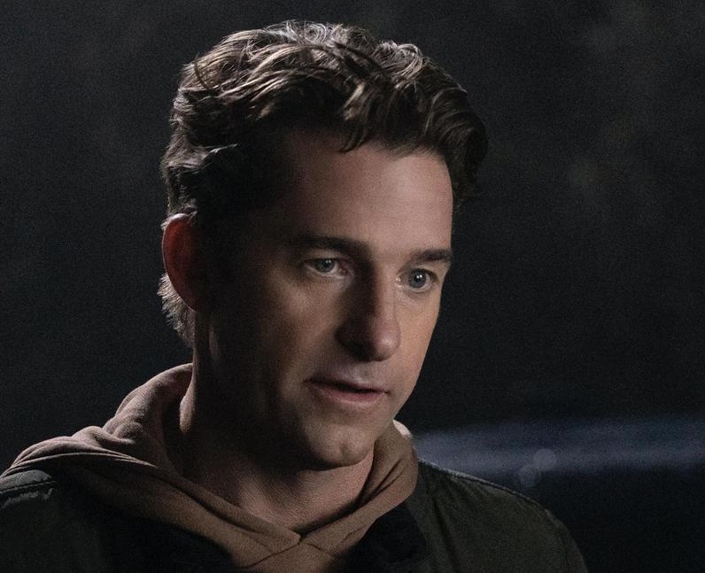Who plays Matthew Engler in You season 3? – Scott