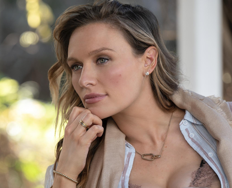 Who plays Natalie Engler in You season 3? – Michae